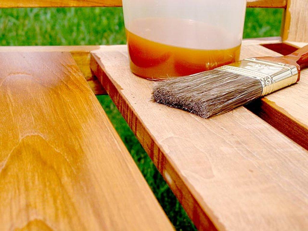 Barnizados y lacados madrid la mina lacado de puertas for Pintar muebles barnizados